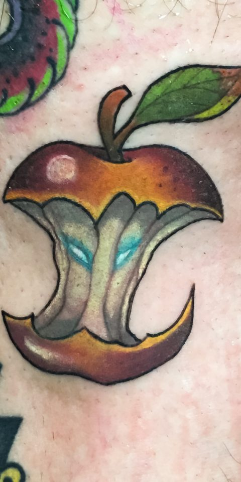 FAMILY ART TATTOO JAVISAE – MANZANA HALLOWEEN